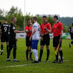 島のサッカーチームはヴオロネジ市で戦ました
