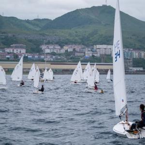 島ヨットマンは希望の帆大会で金メダルを獲得しました