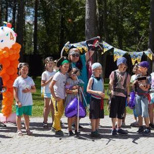 首都の子供は夏キャンプの最終工程を学びます