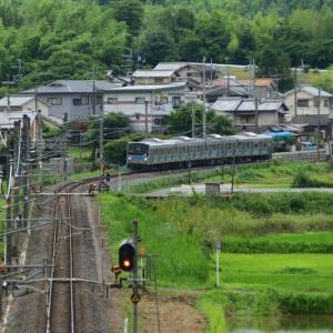 奈良線で撮影。