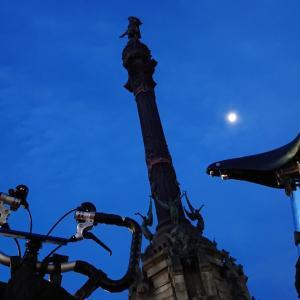 コロンブスの塔とBROMPTONくん