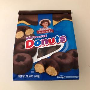 Little Debbie のチョコドーナツ