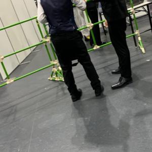 【悲報】乃木坂オタさん、握手の録音がバレて取り押さえられる