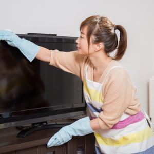 テレビ画面はどう掃除する?水拭きでも汚れは落ちる?