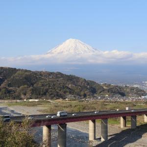 富士山の絶景が間近に見える、富士川SA下り「伊豆と車中泊-25-」