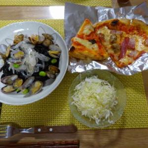 ●イカ墨パスタ ・カプリチョーザのピザ ●豚野菜炒め ・炙りごぼ天 ~NEWアイロン♪~