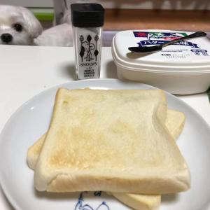朝食は簡単にトースト!