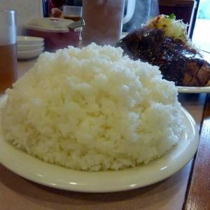 お腹いっぱいになる神戸最強の洋食屋「たちばな」さん、デカ盛り屋さんじゃないけど、でも普通にデカ過ぎるのだ!