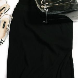 """②UNIQLO新作・リブタイトロングスカートは早くも新作の予感 着回しポイントは""""大人シック"""""""
