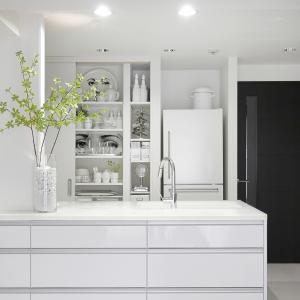 食器棚の衣替え。鍋の季節の必需品