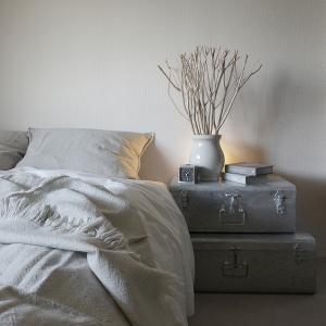 寝具やベッドリネンの収納方法