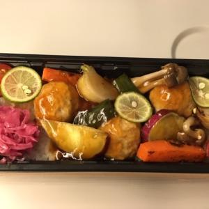 「えさきのおべんとう」の鶏つくねと彩り野菜+ごはんのお弁当