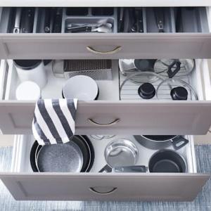 キッチン収納のコツ|少しの工夫で料理がしやすくなる収納術!