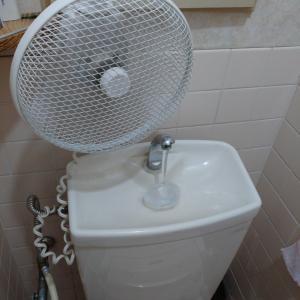 真夏のトイレ、必需品