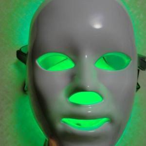【光る!】7色LED美容マスク!遂に買ってしまいました~!これで老化に反発してみせる。
