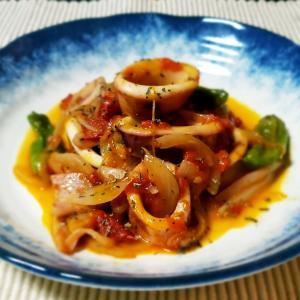 美味しいイカ料理!簡単に出来るイカのトマト煮込み
