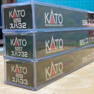 KATO スハ32シリーズ入線  流石にもう最後かな。