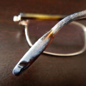 劣化した眼鏡のフレームを綺麗にしてみた