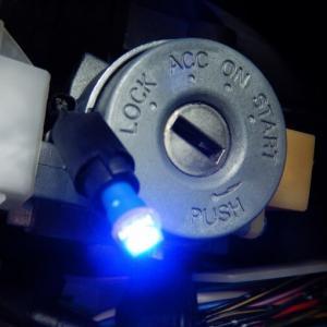 コルト(Z27AG)キーリングイルミの電球交換をしてみた