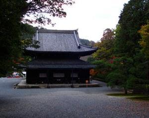 泉湧寺御座所庭園の紅葉と今熊野観音寺の紅葉が綺麗なので紹介したい