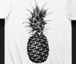 トロピカルなパイナップルのリアルイラストTシャツを作りました。
