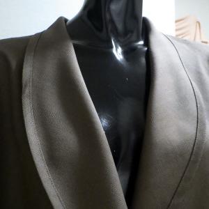美しいヘチマカラーのドレープジャケット完成