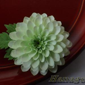 ミニぽんぽん菊のコサージュ&髪飾りライムグリーンCreema出品