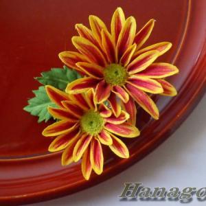 組み合わせ色々~小菊のコサージュ&髪飾りCreemaに出品