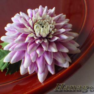 ダリア似の菊のコサージュ&髪飾りCreemaに出品