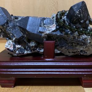 モリオン(黒水晶)のクラスター
