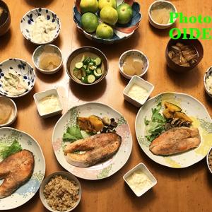 夕飯ですよ  筒切り銀鮭のムニエル