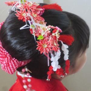 七五三3歳のヘアセットを美容院でする時の注意点は?おすすめのヘアスタイルについても!