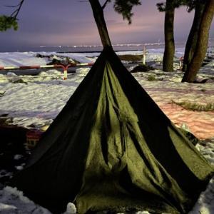 冬キャンプならではの魅力!薪ストーブなしでも雪中ソロキャンプを堪能!