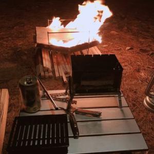 ソロキャンプで焚き火を楽しむ!火の粉に強いソロ用テントは?