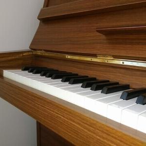 アップライトピアノの選び方|重視するポイントは? 子供の初心者へのおすすめを現役講師が解説!