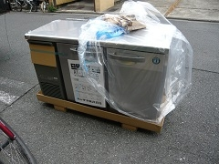 ショットバー様への小型2ドア台下冷蔵庫