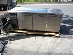 ラーメン屋様への台下冷凍冷蔵庫