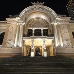 ホーチミンの夜の市民劇場&42・グエンフエアパート