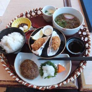 牡蠣フライ・ハンバーグ花籠と小麺セット(四六時中)