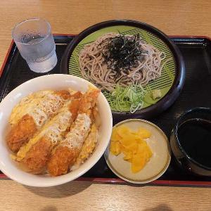 水曜限定エビフライ丼セット(山田うどん食堂)