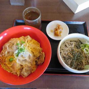昼定食親子丼セット(そば忠 50号店)