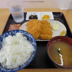 ワンコインロースカツ定食(もつ煮ショップ)