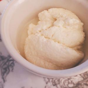 手作りのリコッタチーズ