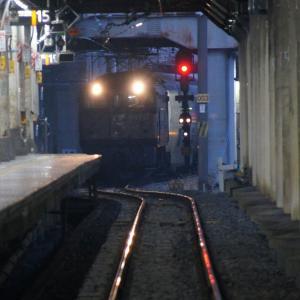 37号機、朝の上野駅へ