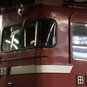 EF81 80号機とE26系
