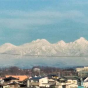 甲斐の山々は雪化粧・・・