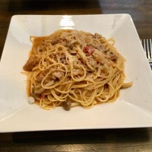 🚩外食日記(154)    宮崎ランチ   「ベビーフェイスプラネッツ」②より、【チキンときのこのミートクリーム】‼️