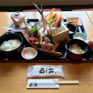 🚩外食日記(723)    宮崎ランチ   「青島海鮮料理 魚益」④より、【青島刺身御膳(上)】‼️