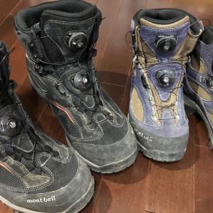 ニュー登山靴とテーブル