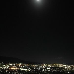 金曜日。満月。そして…。